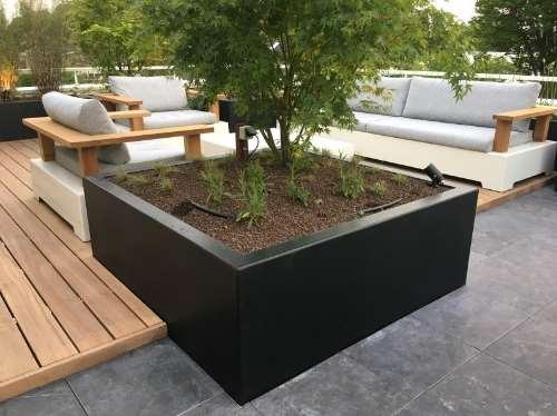 Polyester plantenbak 200x200x60 cm.
