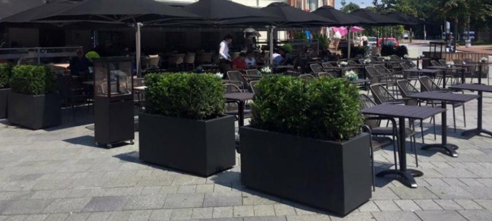Terrasafscheiding voor de zakelijke markt? Gebruik de plantenbakken in de horeca of op je bedrijventerrein