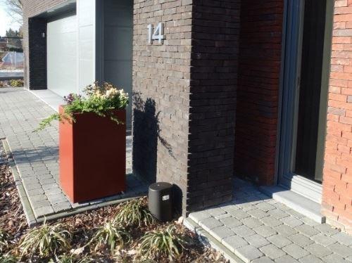 Polyester plantenbak 50x50x80 cm in ral kleur 8012